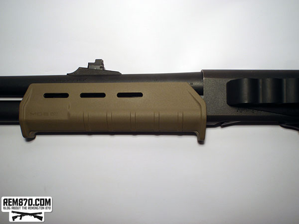 Magpul MOE Forend on Remington870 with Sidesaddle