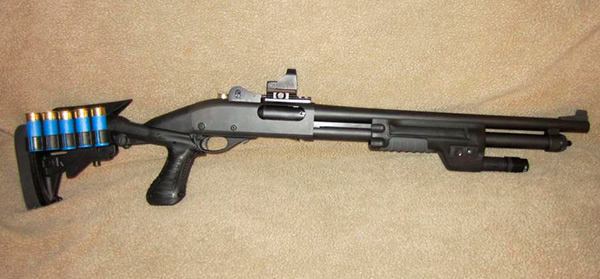 Knoxx Stock and Surefire Forend on Remington 870