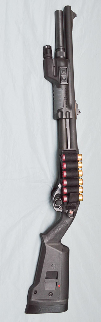 Remington 870 with Magpul Furniture and Surefire Forend