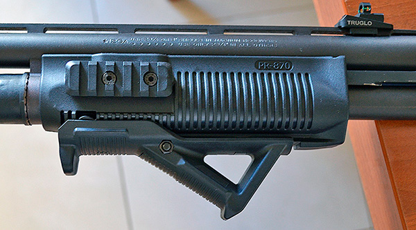 FAB Defense Forend with Magpul AFG