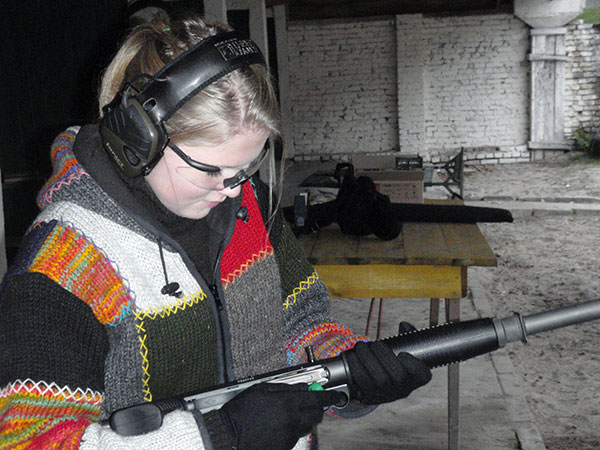 14 Year Girl with Benelli M4