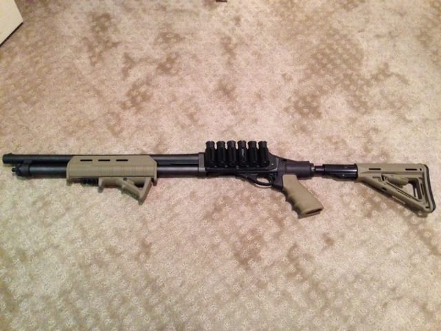 Remington 870 with Magpul Forend, AFG and Magpul Stock