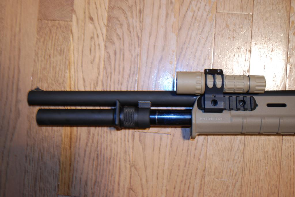 Remington 870 Magpul Forend with Flashlight