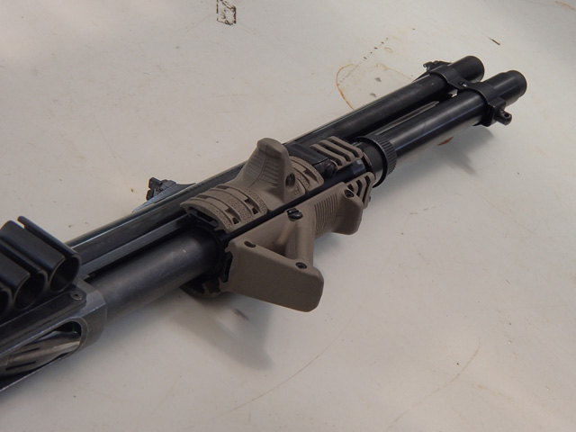 870 with Magpul Stock and ERGO GRIP 3-Rail Shotgun Forend