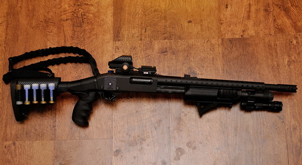 Remington 870 with ATI Stock, Heatshield and Holographic Sight