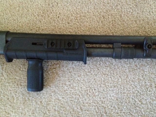 Remington 870 Magpul Forend Grip Rail