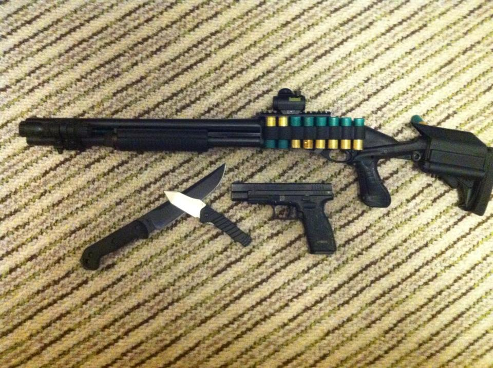 Remington 870 with Knoxx Stock and Mesa Tactical Sidesaddle