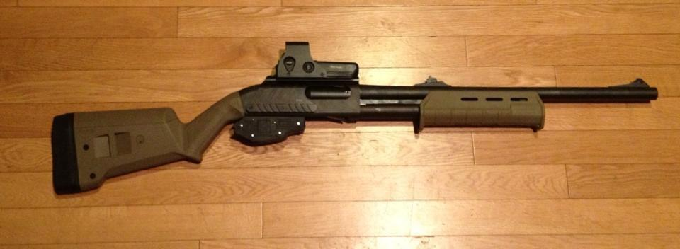 Remington 870 with Magpul Furniture and Eotech Holographic Sight