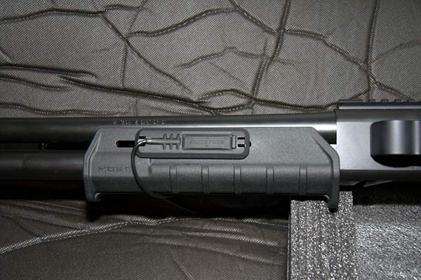 Magpul Illumination Kit on Magpul Forend for Remington 870