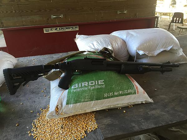 Remington 870 with Bayonet