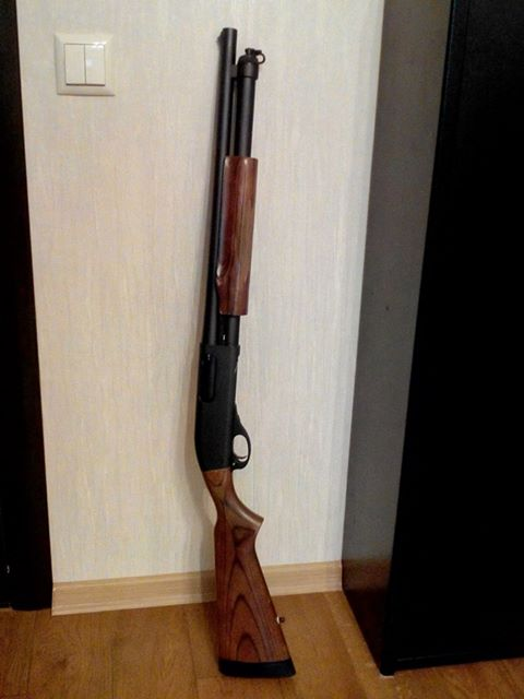 Remington 870 Tactical with Wood Furniture