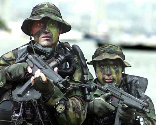 US Navy SEALS with HK MP5